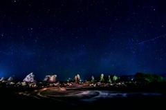 夜の橋杭岩