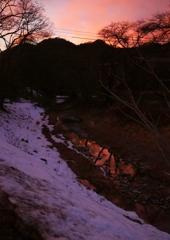 遠き山に日が落ちて