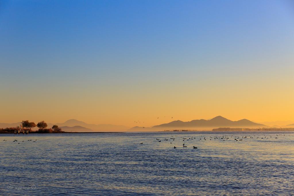 ☆冬めく琵琶湖の朝