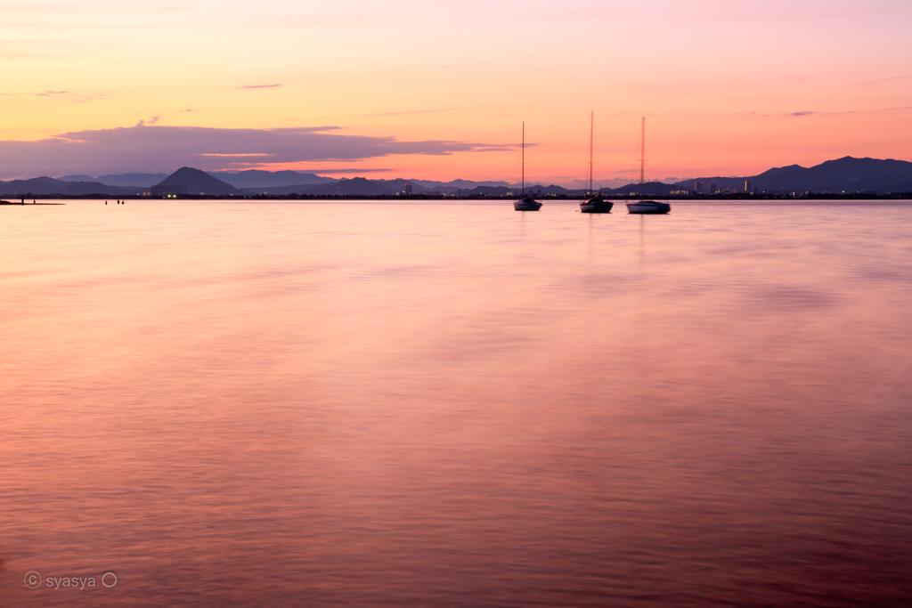湖上のキャラバン