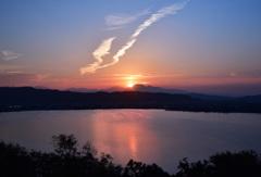 夕日の東郷湖と大山