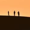 砂丘の丘の人々