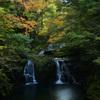 秋の荷担滝
