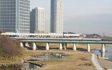 東急田園都市線の二子玉川駅にホームドア設置