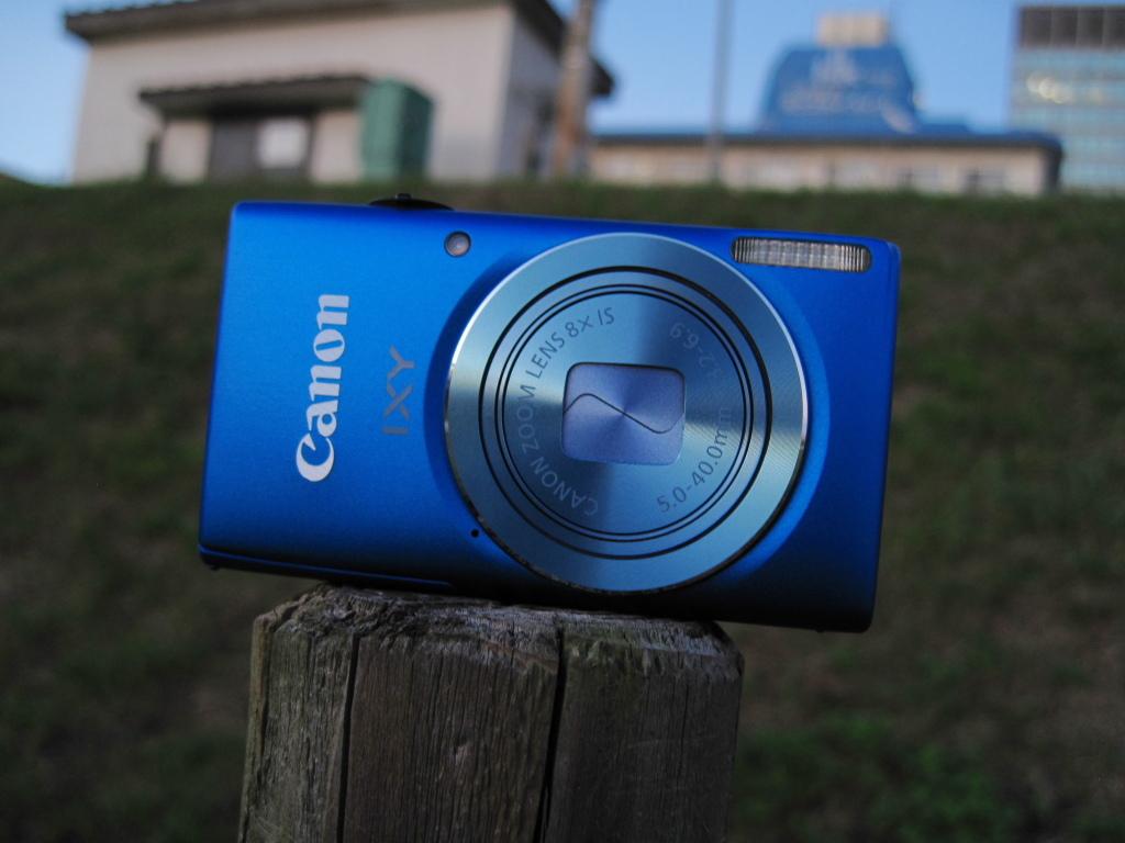 「Canon IXY 100F 青色コンデジ」