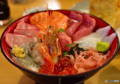 てんこ盛り 海鮮丼