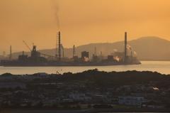 夕凪の工場群