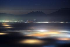 スポットライトは霧の中