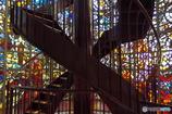 螺旋階段とステンドグラス その1