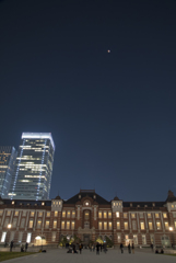 皆既月食 東京駅