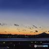 多摩川と夕景の富士