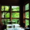 窓枠の描く風景