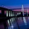 夕暮れの新湊大橋