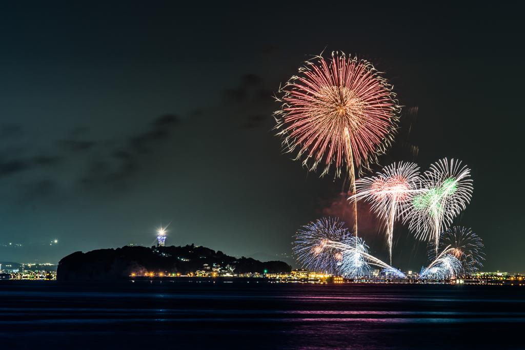 ふじさわ江の島花火大会を葉山から撮る