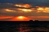 海越しの立山連峰 光芒1