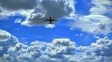 雲をすり抜けて