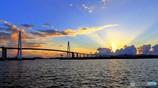 光芒と大橋