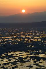 散居村と日の出