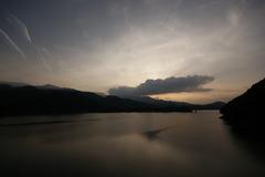 空と山と湖