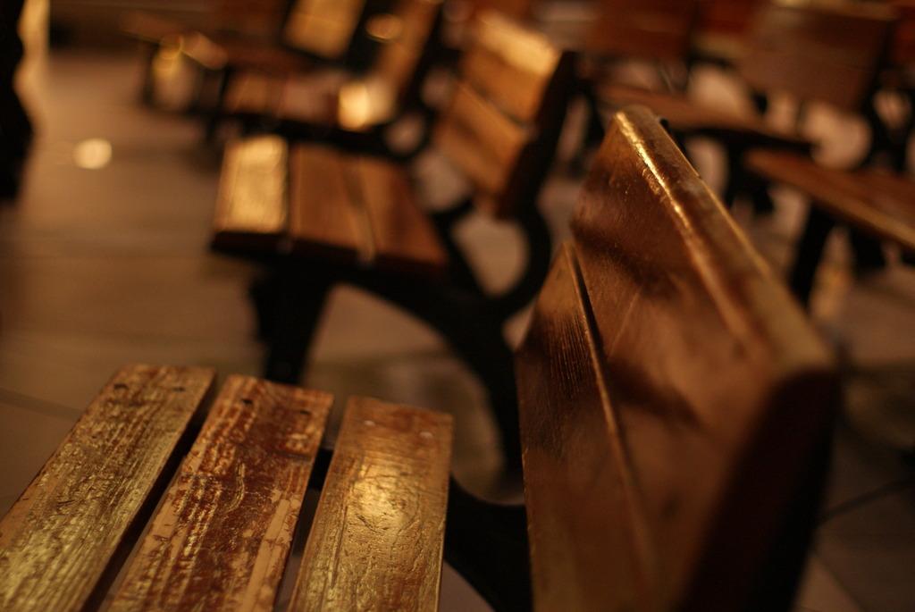 椅子に刻まれた時を読む
