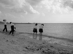 午後の海岸にて