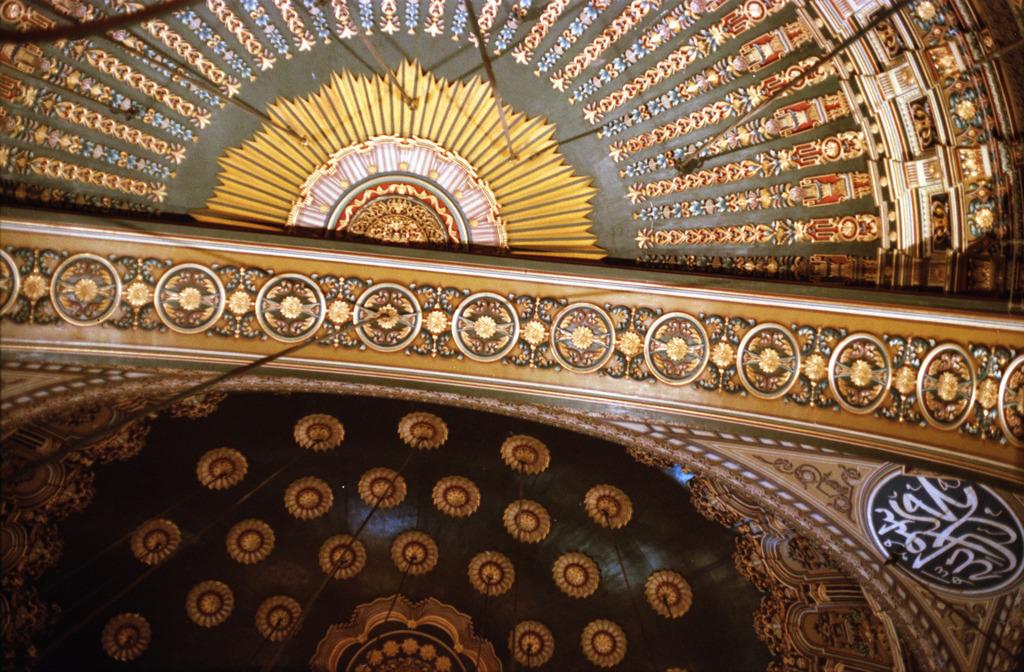 モスクの天井絵
