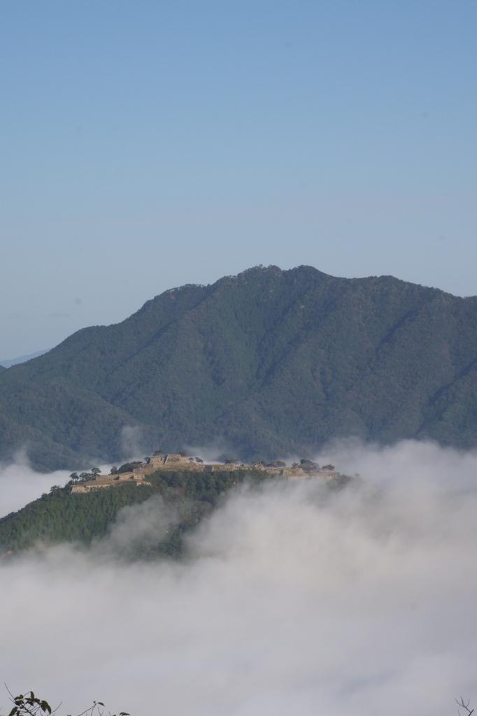 雲海に浮かぶ 竹田城