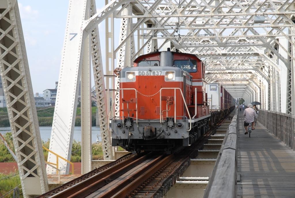 DD51@赤川鉄橋