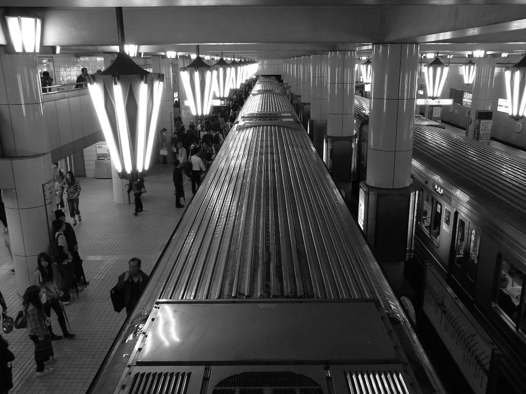 地下鉄に乗って…