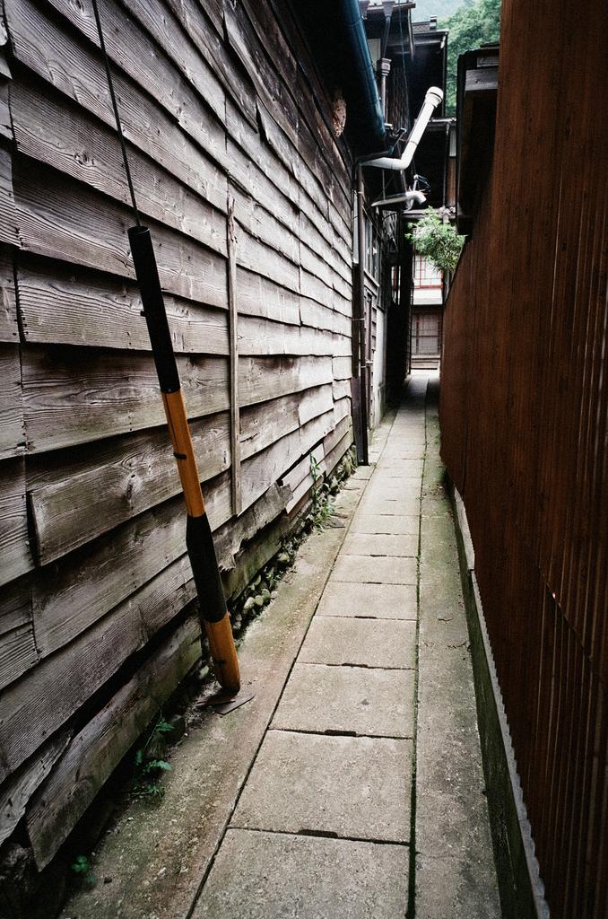 路地・板壁