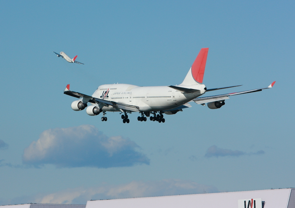 747-JAL