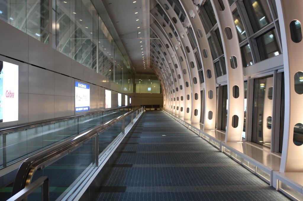 羽田空港通路