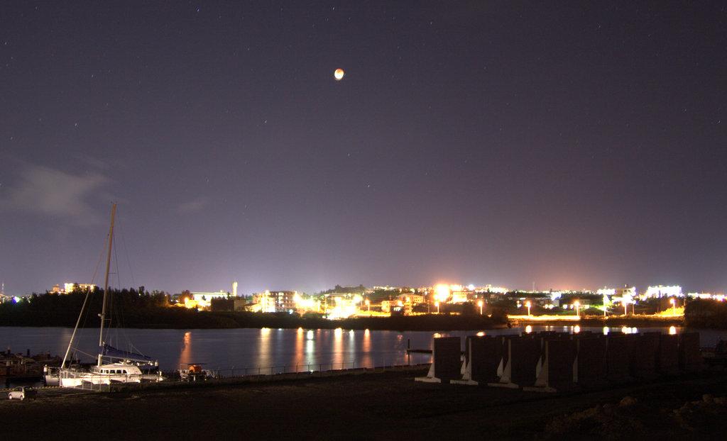 月食の宮古島