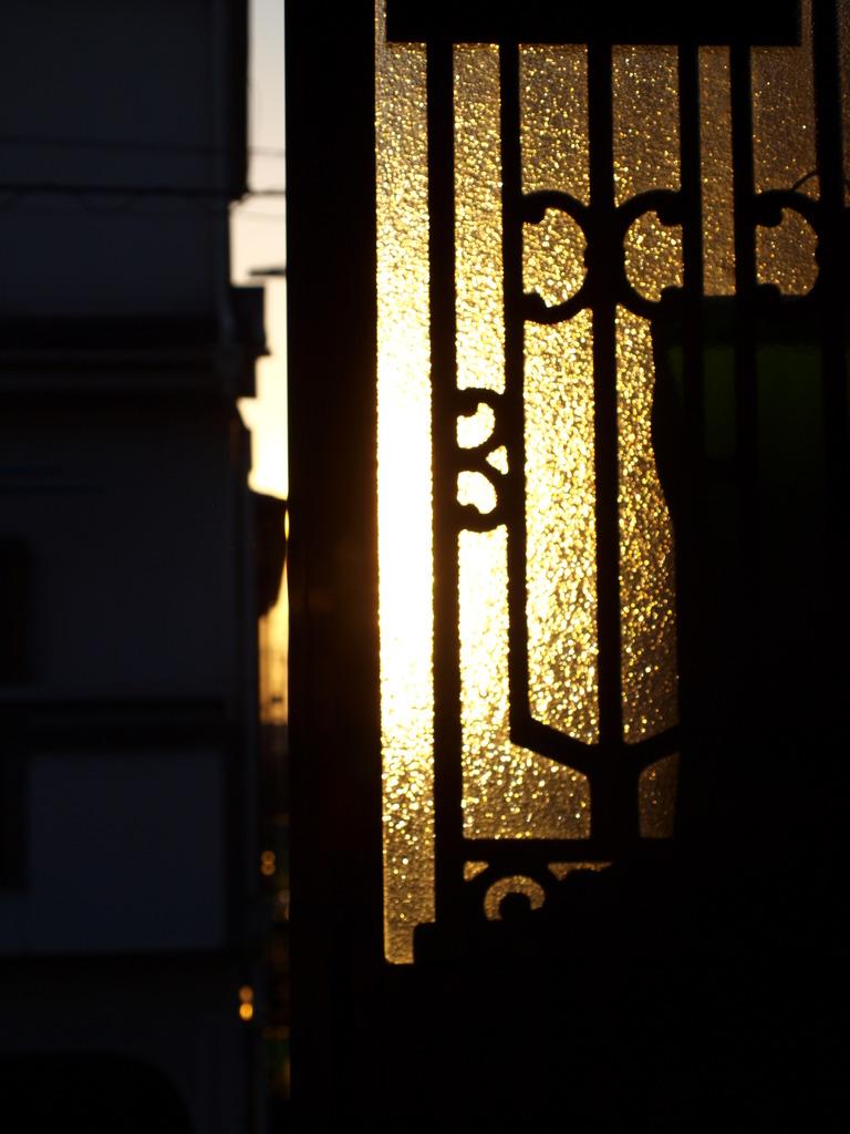 夕日の玄関