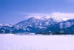 八海山晴天なれど風強し