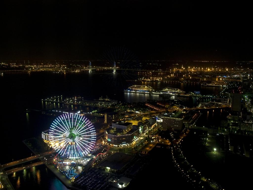 横浜みなとみらい21地区の夜景