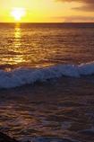 種子島の夕日と波