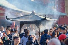 浅草寺の常香炉1