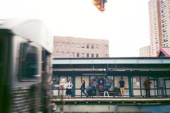 地下鉄百景 - ホームにて