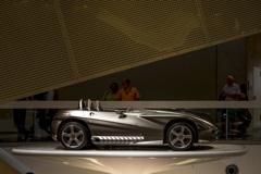 [Mercedes 182] F400 Carving
