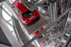 [Audi Museum 127] アウディ博物館内の立体駐車場?