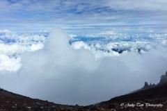進撃の巨雲