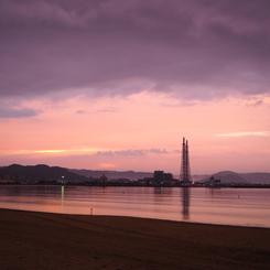 OLYMPUS E-M10で撮影した(唐津湾の夕暮れ)の写真(画像)