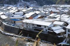 雪化粧の家並