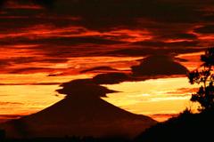 神々しい夕焼け空と富士 ⑤
