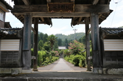 総門(妙泰寺より)