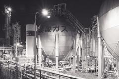 昭和電工ガスタンク(四日市コンビナート午起地区より)