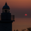 越前灯台と春の夕日