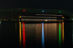 連絡橋(四日市コンビナート霞ヶ浦地区より)