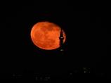 スカイツリーと月の出